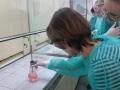Przyrodnicy w laboratorium chemicznym UWr - 04