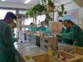 Przyrodnicy w laboratorium chemicznym UWr - 05