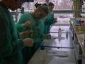 Przyrodnicy w laboratorium chemicznym UWr - 07